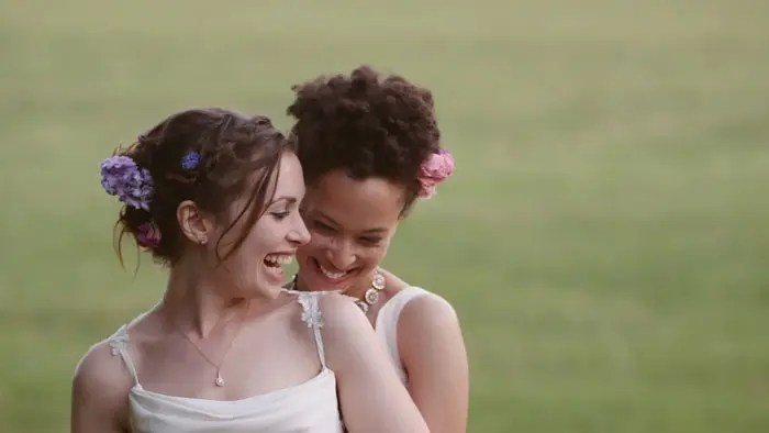 Esta boda lésbica te sacará una sonrisa