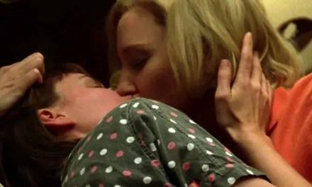 Delta Airlines proyecta en sus vuelos una versión de Carol sin besos lésbicos