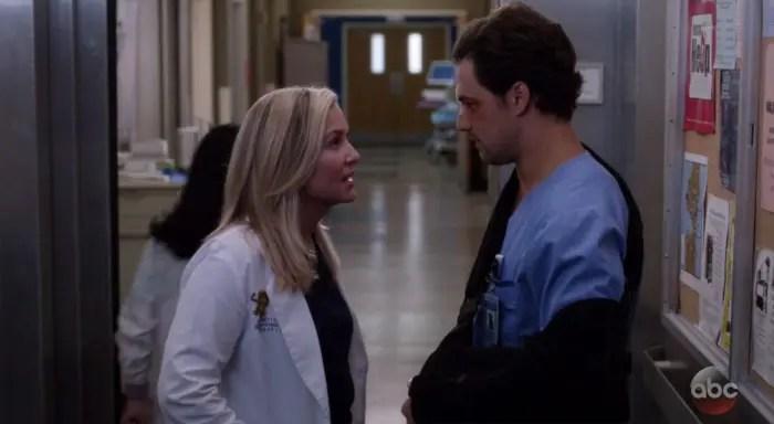 Arizona hablando con Deluca