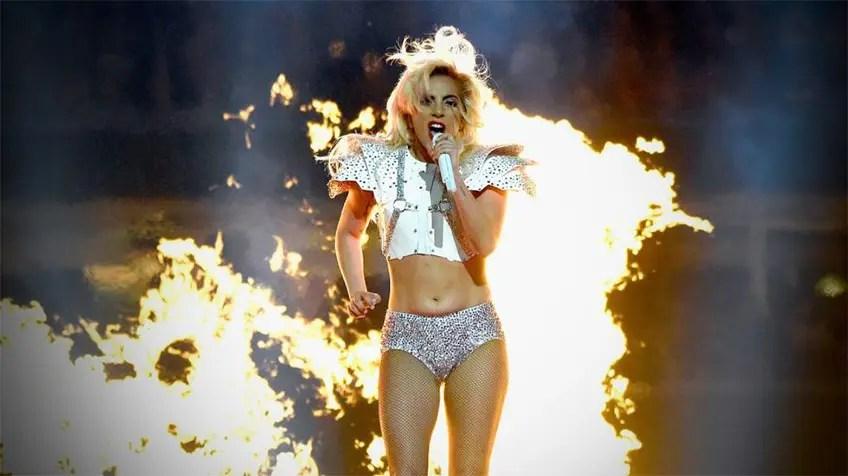 Lady Gaga en el Super Bowl LI: Todas las protestas que esperábamos fueron sutiles