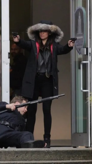 Maggie Sawyer Pistolas