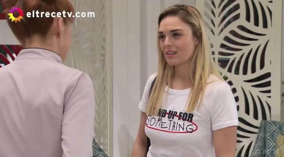Elena y Jazmín hablando