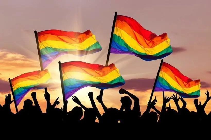 8 consejos para cuidarte este mes del Orgullo LGBTQ (y siempre)