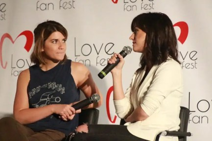 Natasha-Negovanlis-y-Elise-Bauman-LoveFanFest-2018