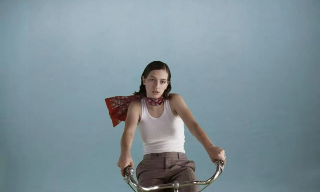 King Princess presenta videoclip del tema Pussy is God y es predeciblemente queer