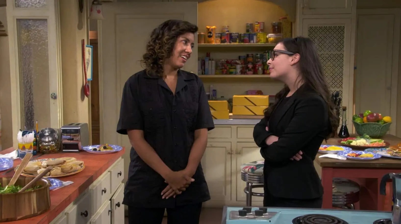 Elena y Pilar en One Day At A Time
