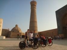 On retrouve une fois de plus Léo à Bukhara pour quelques jours de tourisme avant de se diriger ensemble vers Samarcande.