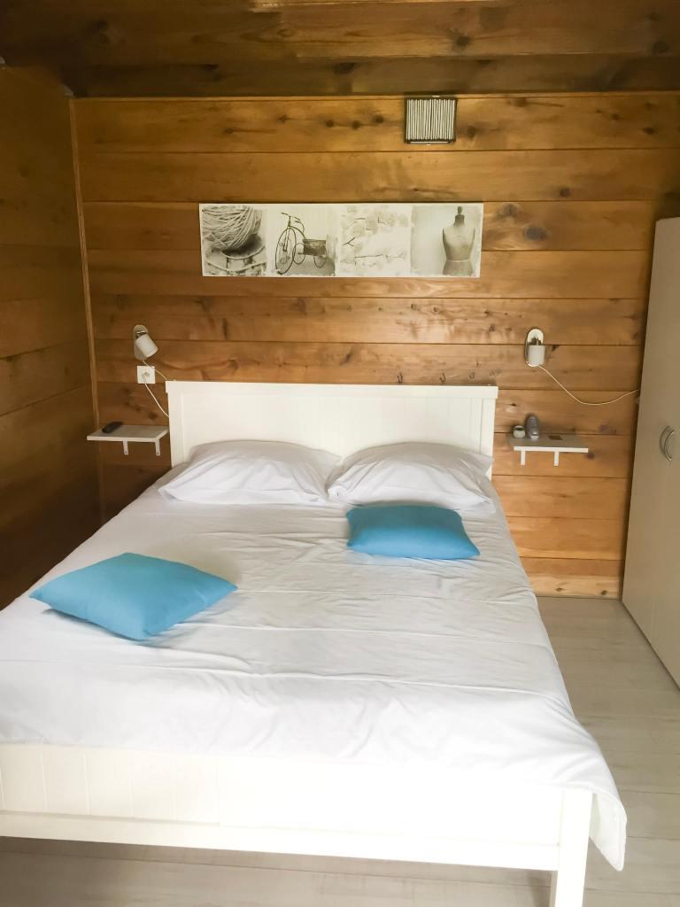 chambre bungalow la paviere par les bons plans de stef