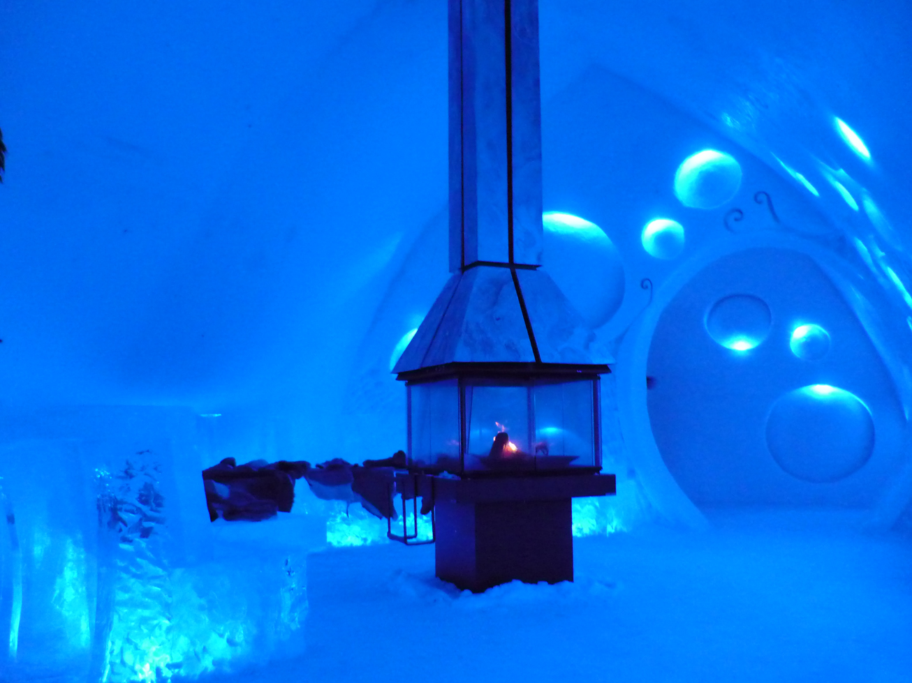 Lhtel de glace de Qubec  Ca commence par un Q a finit par un bec