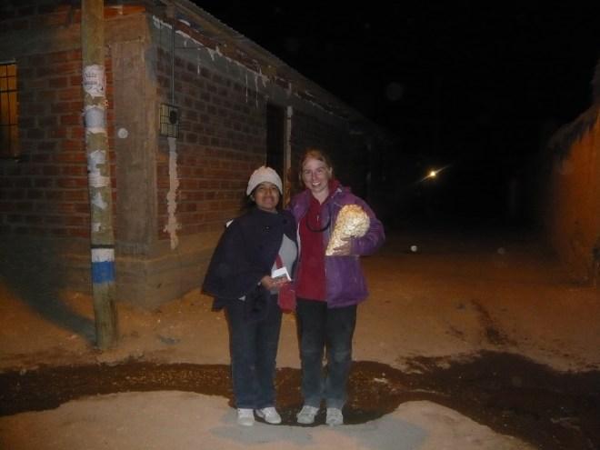 Notre bienfaitrice du soir : Julieta et l'énorme paquet de pop corn qu'elle nous a offert