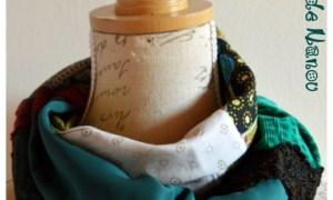 Tour de cou 4 carrés de tissu vert blanc