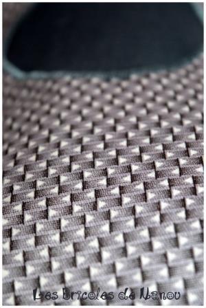 Bouillottinette grise à motifs géométriques