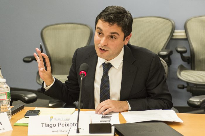 Tiago Peixoto, spécialiste des budgets participatifs à la Banque mondiale