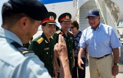 visite au Vietnam du secrétaire d'état américain Léon Panetta en 2012
