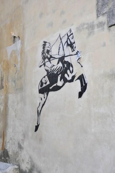 Graffiti sur les murs d'Arles