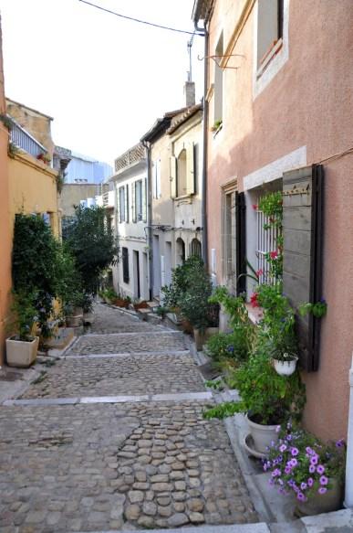 Rue fleurie d'Arles