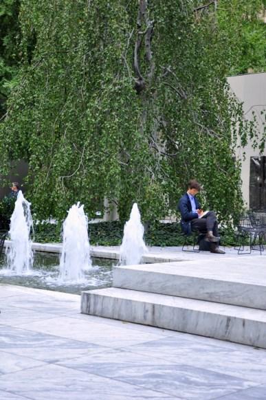 Repos dans le jardin du MOMA