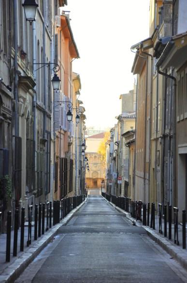 Rue déserte d'Aix en Provence