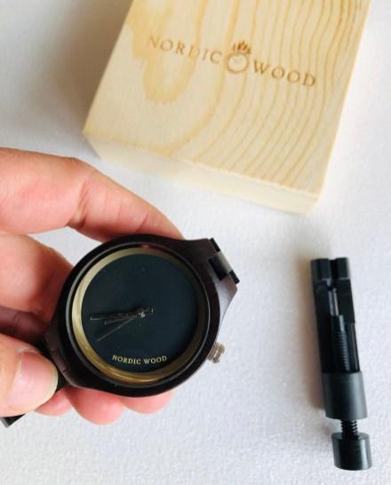Nordic Wood montre en bois blogueuse