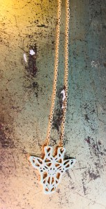 bijoux collier howly blogueuse lyonnaise