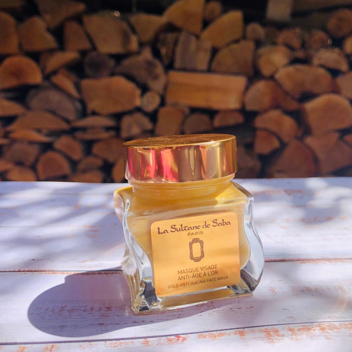 masque sublimant à l'or la Sultane de Saba