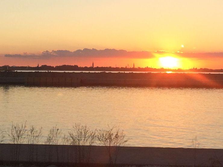 Le soleil se couche sur Venise