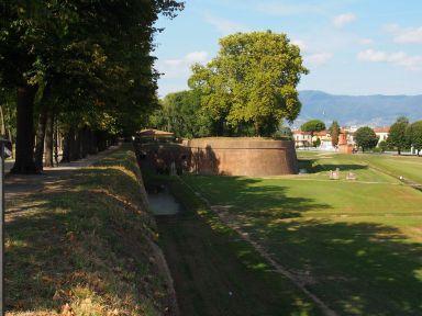 Lucca : sur les remparts