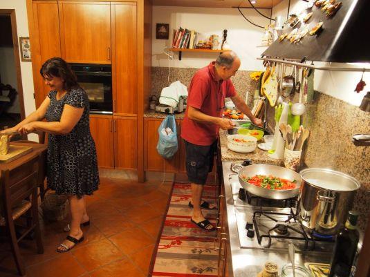 En cuisine avant le repas