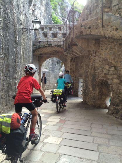 Départ de la vieille ville de Kotor