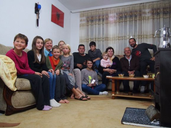 Falheminderit (Merci) à la famille Hoti