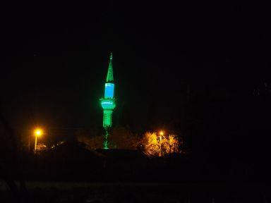 Minaret by night à 100 m du dodo (ambiance sonore garantie)