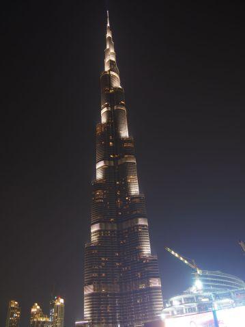 Burj Khalifa impressionnante de jour comme de nuit !
