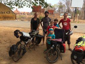 Rencontre avec Anne, une cyclo Belge à la frontière du Laos