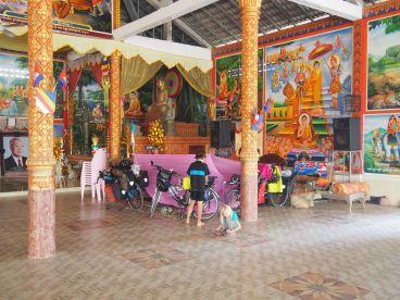 Bivouac dans une pagode