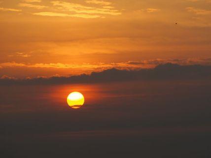Lever de soleil depuis la hutte