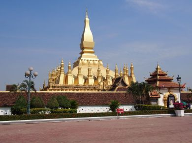 Le stupa doré étincelant