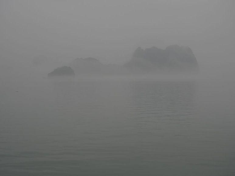 Oui oui au fond c'est la baie d'Halong