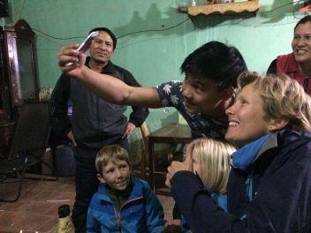 Une des dix à quinze séances photos-selfies quotidiennes