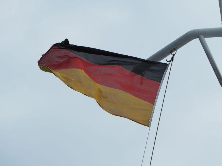 Nouveau pays : nouveau drapeau !