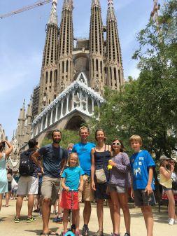 Avec Pierre devant la Sagrada Familia