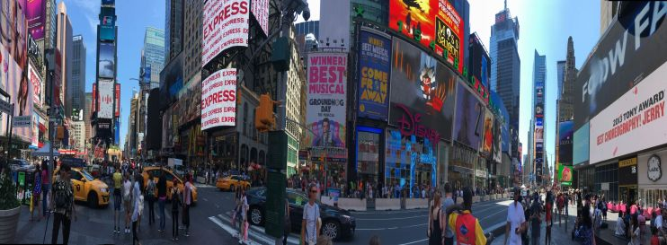 Sauras-tu trouver Géraldine à Times Square ?