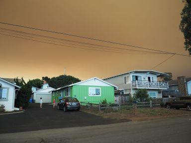 L'incendie est à 250 km mais crée jusqu'ici un ciel apocalyptique !