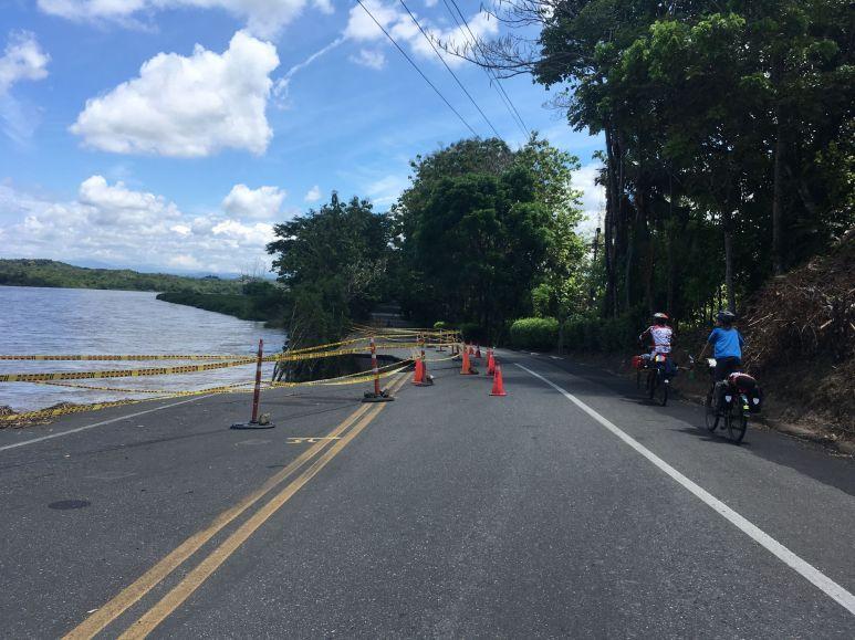 La riviere Cauca creuse la route