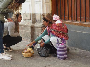 Au coeur de Lima les habits traditionnels sont bien présents