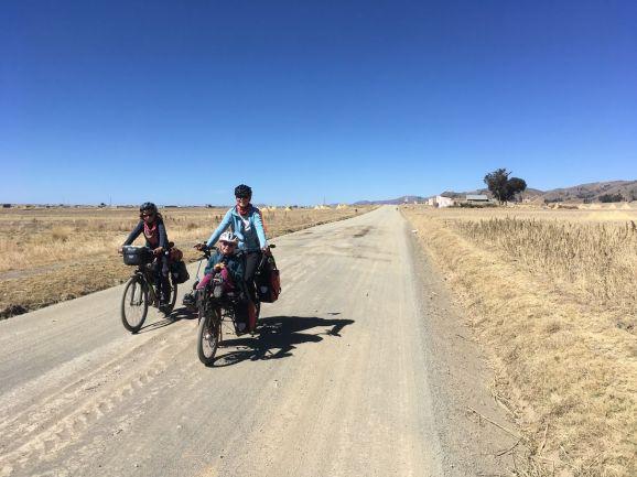 Sur la piste en direction de la Bolivie