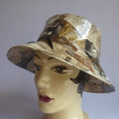 chapeau de pluie Motif Pierres