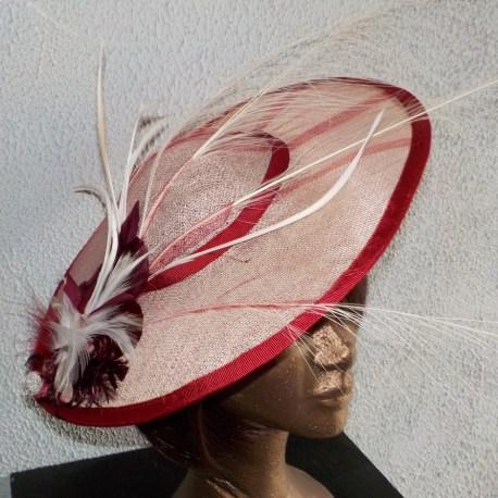 chapeau de cérémonie en sisal avec plumes