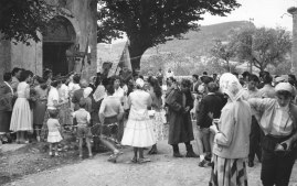 15.08.1961 devant l'église