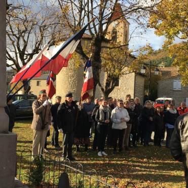 11 novembre 2018 L'assistance et les porte-drapeau