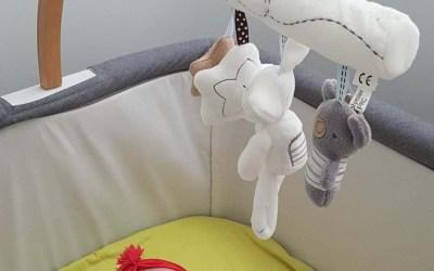 Proche de son bébé avec le lit cododo de chez Libéllule.